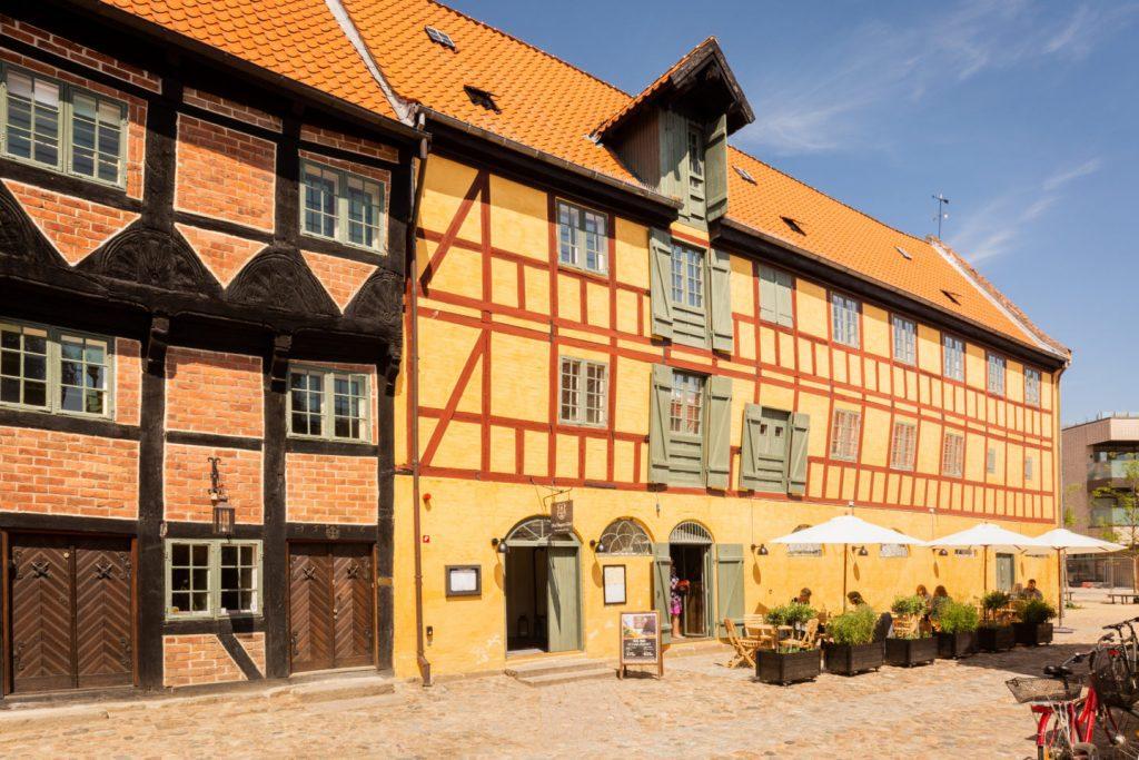 Restaurant Oluf Bagers Gård i hjertet af Odense