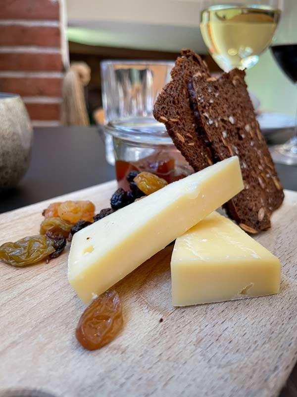 Ost med sødt og sprødt – hyggelig restaurant i Odense