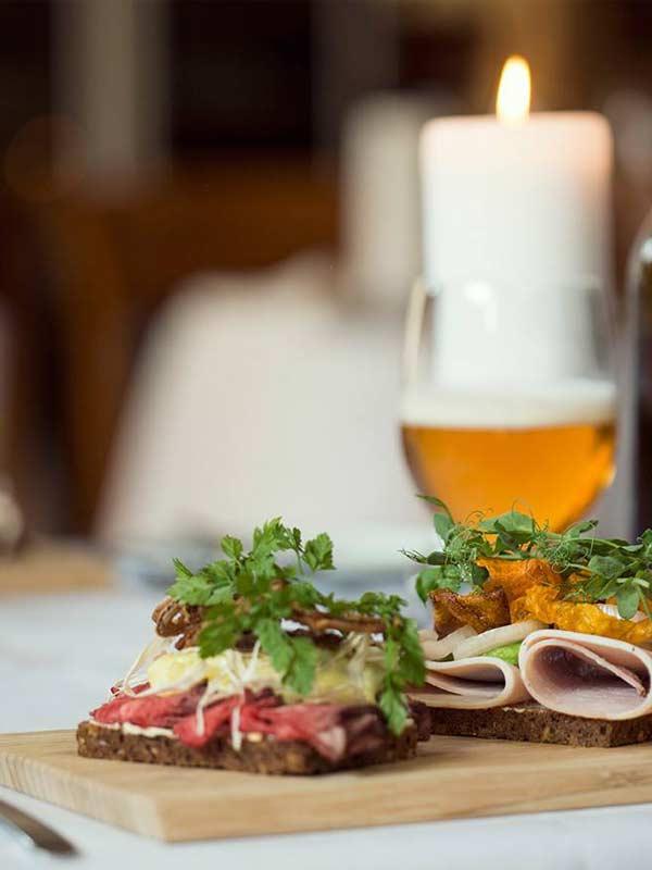 Smørrebrød går aldrig af mode – bestil til hverdag og fest i Odense