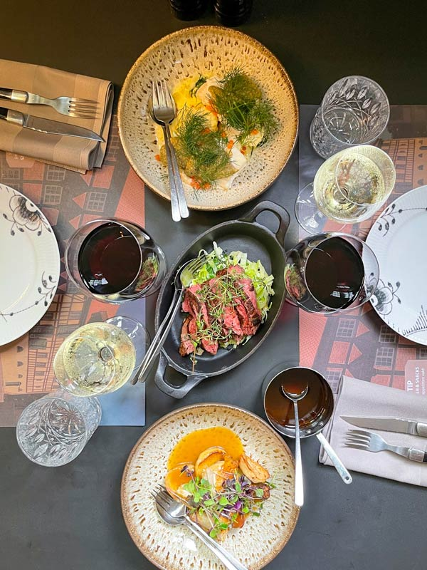 3 hovedretter - 9-retters menu i Odense